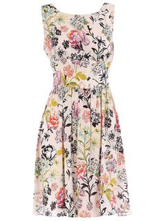 £25 Floradita sun dress, Dorothy Perkins. #dress #floral Too beautiful!