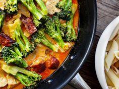 Kyllingpasta med chorizo på 15 minutter | Godt.no Pasta Recipes, Chicken Recipes, Dinner Recipes, Cooking Recipes, Healthy Recipes, Yummy Recipes, Healthy Food, Recipies, Chorizo