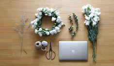 專業的品牌網頁設計   台北形象網站設計公司   2.5D品牌顧問 Floral Wreath, Wreaths, Branding, Studio, Home Decor, Floral Crown, Brand Management, Decoration Home, Door Wreaths
