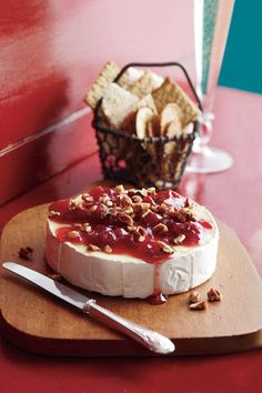 Thanksgiving Appetizers: Cherry-Pecan Brie