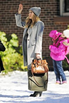 Carrie And Big, Carrie Bradshaw Style, George Mackay, Sarah Jessica Parker, Photo L, Fashion Backpack, What To Wear, Style Me, Burberry