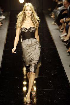 Alessandro Dell'Acqua Spring 2006 Ready-to-Wear Fashion Show - Carmen Kass