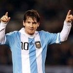 Lionel Messi cuma berharap bisa menyenangkan para fans Argentina dan tidak terlalu memikirkan trofi Piala Dunia 2014.