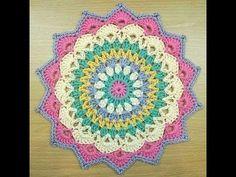 COMO TEJER UN MANDALA A CROCHET Crochet Yarn, Crochet Stitches, Crochet Afghans, Crochet Blankets, Crochet Humor, Knitting Needles, Double Crochet, Pin Cushions, Crochet Projects