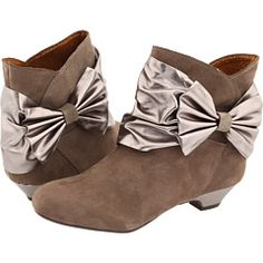 Love these. Thought of you @Carrie Chance when you told me about boots with bows!