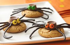 Peanut Butter Spider Cookies and TONS more halloween refreshments!