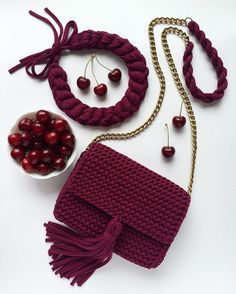 45 Amazing Creative Crochet Bag Patterns Images and Ideas for All Seasons Part 19 45 Amazing Creative Crochet Bag Patterns Images and Ideas for All Seasons Part crochet bags purses; Free Crochet Bag, Crochet Diy, Crochet Motifs, Crochet Stitches, Crochet Patterns, Bag Patterns, Crochet Bags, Crochet Ideas, Crochet Handbags