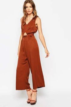 Zara, Forever 21, and H&M offer endless options, which is why we love them — but also why we hate them. With so much clutter to sort through, it can can be impossible to find a last-minute job-interview top or party dress when you really need it. Luckily, most shopping sites offer streamlined shopping experiences in the form of curated designer lists, stylist picks, and hidden homepages. Click through the slideshow for the best secret shopping tips for 12 of your favorite stores.
