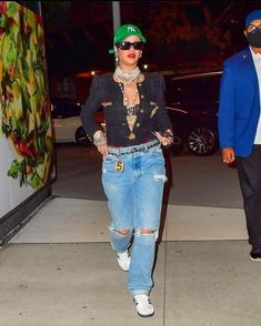 Rihanna Fenty, Just Giving, Business Women, New York, Punk, Singer, Actresses, Model, Outfits
