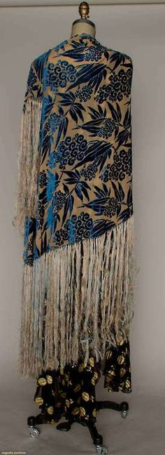 Shawl  1930s  Augusta Auctions
