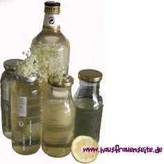 Holunderblütenschnaps Cocktails, Jar, Bottle, Pantry, Decor, Foods, Nature, Kitchens, Tasty Vegan Recipes