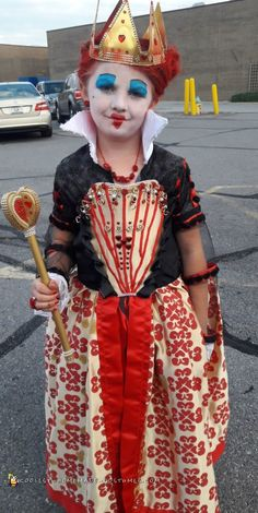 """Every year I make my daughters Halloween costumes because I think it is a great """"mommy and me"""" and """"sister and sister"""" bonding. We pretty much just wing it Halloween Costume Contest, Halloween Costumes For Kids, Happy Halloween, Halloween Decorations, Homemade Costumes, Diy Costumes, Costume Ideas, Red Queen Costume, Alice In Wonderland Costume"""