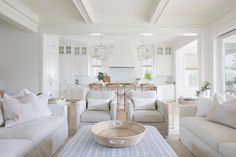 Casa da Anitta: see the singer's mansion in Barra da Tijuca - Home Fashion Trend Home Living Room, Living Room Designs, Living Room Decor, White Living Rooms, Open Kitchen And Living Room, Coastal Living Rooms, Kitchen Small, Kitchen Modern, Living Room Sets
