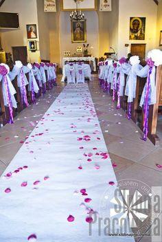 dekoracje dywany w kościele