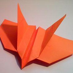 Avion origami boomerang
