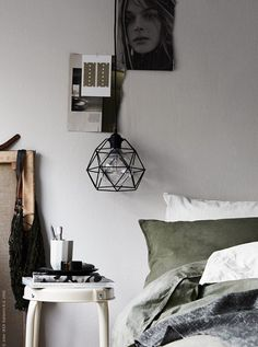 Green bedsheets - via Coco Lapine Design