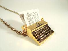 Colar Máquina de Escrever