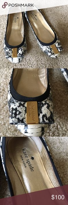 Kate spade flats Like new perfect condition. No flaw!! Sorry no offers price is firm! Shoes Flats & Loafers