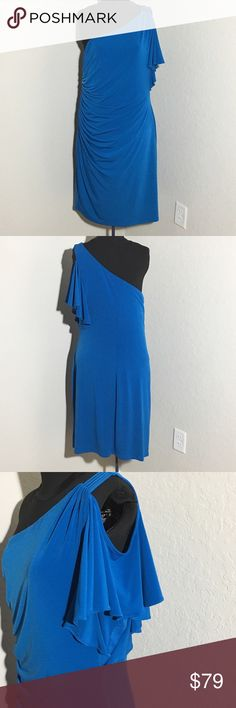 """Max & Cleo Blue 1 Shoulder Cold Shoulder Dress XL Beautiful form fitting worn a few times in great condition dress!! Max and Cleo cold Shoulder one shoulder dress. Size XL. 38"""" Shoulder to hem 20"""" armpit to armpit (laying flat). 95% Polyester, 5% Spandex. Has good amount about of stretch still fits me and I wear a 16-18 but would also fit a 14 without a problem. Max & Cleo Dresses One Shoulder"""