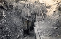 WWI; German soldiers with signalling lamp, 1917.