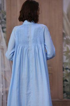Shirt dress linen dress button down linen dress blue dress Linen Shirt Dress, Linen Dresses, Maxi Dress With Sleeves, Blue Dresses, Dresses For Work, Make Your Own Dress, Button Dress, Mantel, Designer Dresses