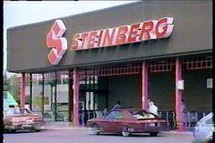 Supermarché Steinberg au centre Domaine dans l'est de Montréal dans les années 1980 Old Montreal, Montreal Ville, Montreal Quebec, Sweet Memories, Childhood Memories, Good Old Times, Canada, Life Happens, Do You Remember