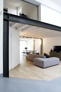 Loft SanP by Paolo Larese de Tetto TIM DAY i like the balance of steel beams , wood floors running into cement floors . i also like the natural light . Design Loft, House Design, Modern Interior Design, Interior Architecture, Interior Sketch, Eclectic Design, Metal Beam, Casa Loft, Casas Containers