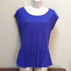AEO peplum top Very cute Spring and Summer piece.  Small cut-out in the back. American Eagle Outfitters Tops Tunics