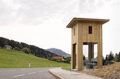 «Общественное сооружение» – автобусная остановка Александра Бродского, в австрийском Крумбахе