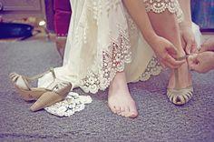 Rustic Outdoor Wedding Pictures | Barra do Vestido de Noiva | Peguei o Bouquet