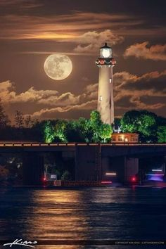 Beautiful full moonrise over the waterway in Jupiter Florida from Sawfish Bay looking at the Jupiter Lighthouse. Lighthouse Lighting, Lighthouse Painting, Lighthouse Pictures, Beautiful Moon, Beautiful Places, Beautiful Pictures, Jupiter Lighthouse, Shoot The Moon, Moon Pictures