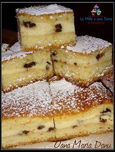 Strawberry shortbread, ricotta pearls with pistachios - HQ Recipes Italian Desserts, Italian Recipes, Strudel, Almond Paste Cookies, Plum Cake, Strawberry Recipes, Dessert Bars, Coffee Cake, Quick Easy Meals