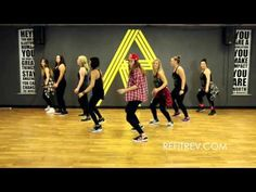 """Family Force 5 """"Carol Of The Bells"""" 