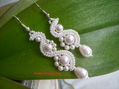Free pattern for earrings White Moon - Her Crochet Tatting Jewelry, Bead Jewellery, Seed Bead Jewelry, Seed Bead Earrings, Beaded Earrings, Earrings Handmade, Handmade Jewelry, Beaded Bracelets, Beaded Jewelry Designs