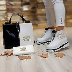 Lv Shoes, Bling Shoes, Chanel Shoes, Pumas Shoes, Shoe Boots, Louis Vuitton Shoes, Cute Sandals, Sneakers Fashion, Sneaker Heads
