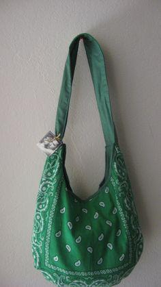 Items similar to Green with Envy Bandana Purse on Etsy Bandana Crafts, Christmas Shoes, Bandana Styles, Sewing Lessons, Diy Purse, Diy Sewing Projects, Boho Diy, Love Sewing, Diy Clothes