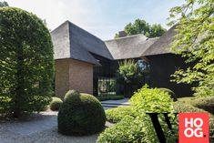 Karaktervolle villa in groene rand rond Antwerpen - Hoog ■ Exclusieve woon- en tuin inspiratie. My Dream Home, Modern Architecture, Exterior, House Styles, Villa, Design, Houses, Decor, Homes