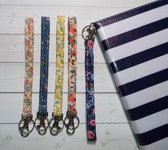 Floral Key FOB KeyChain Wristlet Camera strap purse preppy / fabric / cute / patterns / key chain / office, nurse, student id, badge / key leash / gifts / key ring / id badge holder / badge holder / teachers gifts / teacher / coworkers / sports lanyard Wrist Lanyard, Keychain Wristlet, Gifts For Coworkers, Gifts For Mom, Beaded Lanyards, Gifts For Office, School Gifts, Makeup Case, Key Fobs