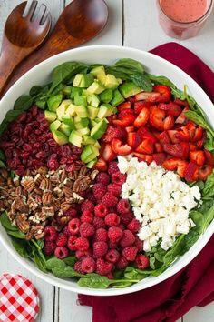 Avocado Spinach Salad, Spinach Strawberry Salad, Raspberry Salad, Spinach Salad Recipes, Vegetarian Recipes, Cooking Recipes, Healthy Recipes, Healthy Salads, Healthy Eating