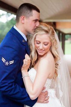 Bride and Groom portrait #WeddingVenue #TexasWeddings #Rustic #MilitaryWedding #MeggieBurrPhotography