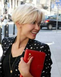 Today we have the most stylish 86 Cute Short Pixie Haircuts. We claim that you have never seen such elegant and eye-catching short hairstyles before. Pixie haircut, of course, offers a lot of options for the hair of the ladies'… Continue Reading → Nice Short Haircuts, Short Blonde Haircuts, Pixie Bob Hairstyles, Hairstyles Haircuts, Blonde Hairstyles, Short Feminine Haircuts, Bob Haircuts, Short Hair Cuts For Women, Short Hair Styles