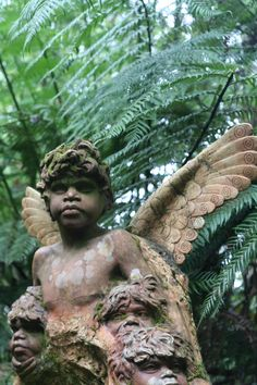 William Ricketts Sanctuary in Mount Dandenong, Australia. Even though some of busts look European, still impressive Melbourne Victoria, Victoria Australia, Melbourne Australia, Australia Travel, Art And Illustration, Gothic Garden, Angels Among Us, Art Sculpture, Le Palais