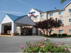 Bay City (MI) Fairfield Inn Bay City United States, North America Fairfield Inn Bay City is perfectly located for both business and leisure guests in Bay City (MI). The hotel has everything you need for a comfortable stay. Service-minded staff will welcome and guide you at the Fairfield Inn Bay City. Comfortable guestrooms ensure a good night's sleep with some rooms featuring facilities such as television LCD/plasma screen, air conditioning, heating, desk, alarm clock. The hot...