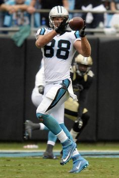 Carolina Panthers' Greg Olsen makes a reception against the New Orleans Saints during the first half of their game at Bank of America Stadium on Sunday, September The Panthers won, Panthers Win, Carolina Panthers Football, Nfl Sports, Sport Football, Bank Of America Stadium, Panther Nation, Greg Olsen, Tight End, Wide Receiver