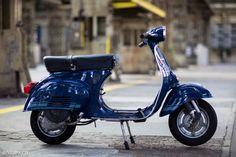 Vespa Primavera ET3, 1981, 1'188 Km, O-Lack, original condition, conservata. Over 70 more pictures here: https://ve8pa.ch/2016/06/24/the-blue-banana-vespa-primavera-et3-1981-im-o-lack-mit-1188-km/