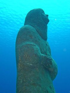 "The lost city of Atlantis, is now the one of the newest dive sites in the Cayman Islands. The dive site ""Atlantis,"" is being constructed by a local artist, who is producing a replica of the famed city below the sea for all divers to enjoy."