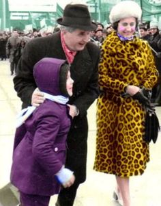 Nicolae & Elena Ceausescu go walkabout. Walkabout, Romania, Nostalgia, History, Beautiful, Country, Fashion, Military, Atelier