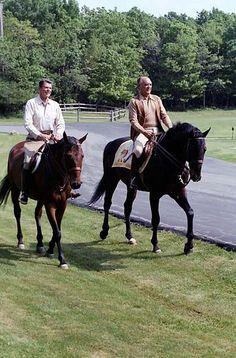 U.S. President Ronald Reagan (left) and Mexican President José López Portillo (right) riding horses in Camp David, Maryland, USA, 1981