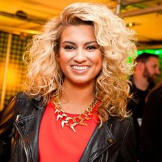 Celebrity Gossip and Entertainment News - Tori Kelly beams at MOBOs