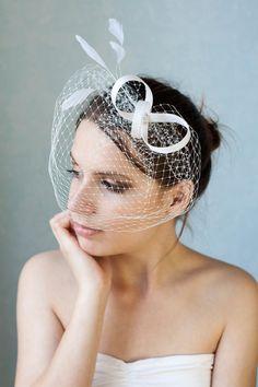 Bridal fascinator with birdcage veil and por BeChicAccessories Lista De Boda 730feba2205